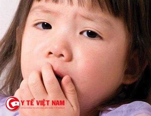 Bệnh viêm họng và viêm amidan có nhiều triệu chứng giống nhau