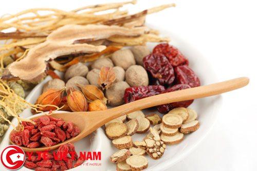 Bài thuốc Đông y điều trị bệnh viêm da dị ứng thể huyết nhiệt