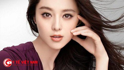 Bấm mí Hàn Quốc mang lại đôi mắt to tròn, khỏe đẹp