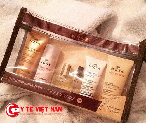 Bộ quà tăng Holiday là sản phẩm nổi tiếng của dược mỹ phẩm Nuxe