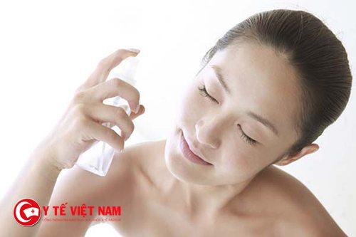 Sử dụng xịt khoáng thường xuyên giúp bạn làm đẹp da mỗi ngày