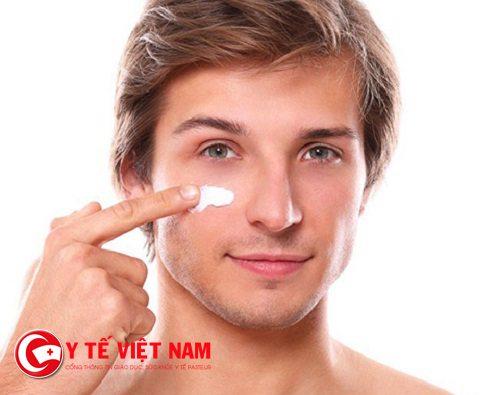 Dưỡng ẩm giúp bạn căng da mặt hiệu quả