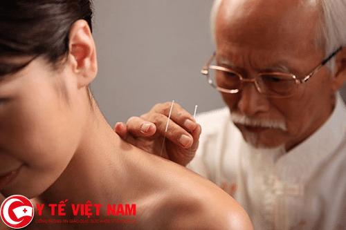 Châm cứu giác hơi chữa bệnh ung thư tuyến giáp