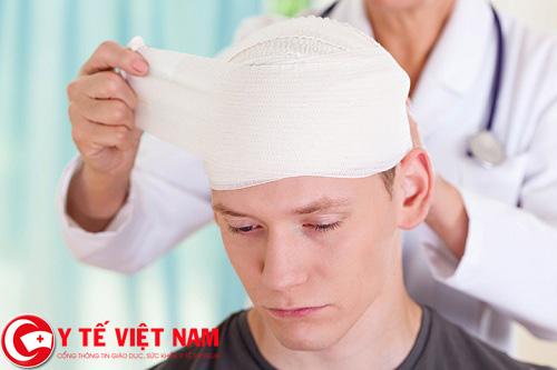 Do người bệnh đã từng bị chấn thương đầu