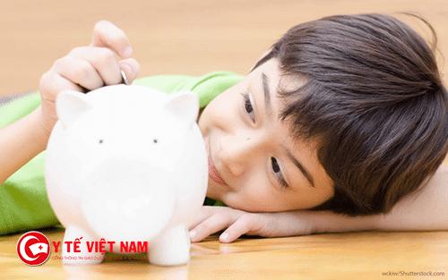 Không cho con cơ hội sử dụng tiền là sai lầm khi dạy con