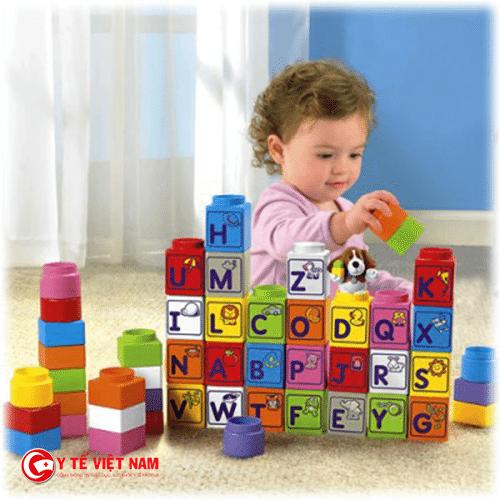Những trò chơi tuy rất đơn giản nhưng sẽ giúp bé phát triển cả trí não và thể chất