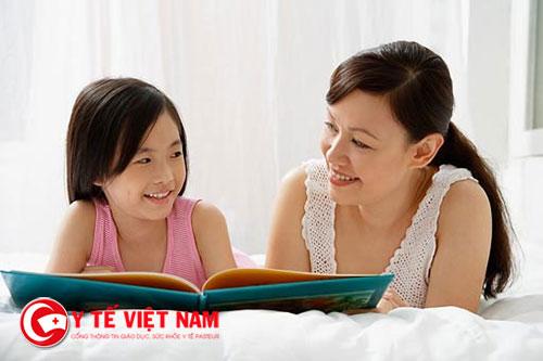 Cha mẹ nên dạy cho trẻ những kiến thức cần thiết để tránh bị xâm hại