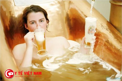 Làm trắng da hiệu quả nhờ bia