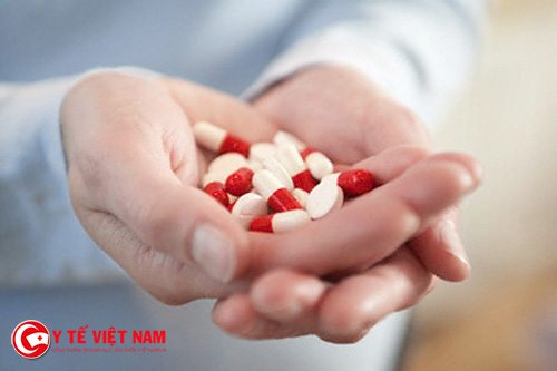 Nên cẩn trọng trong việc dùng thuốc kháng sinh để điều trị bệnh