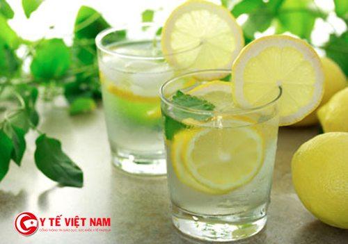 Nước chanh có tác dụng chống lão hóa và giải độc cơ thể