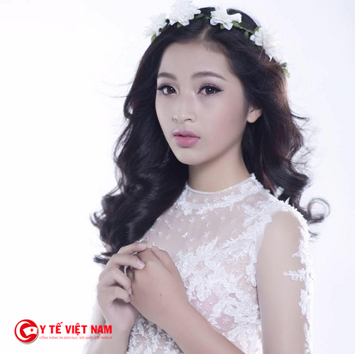 Rất nhiều phụ nữ Việt sở hữu chiếc cằm đẹp không cần phải sang Hàn Quốc