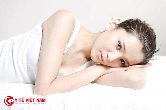Quan hệ tình dục an toàn là biện pháp phòng tránh bệnh giang mai miệng