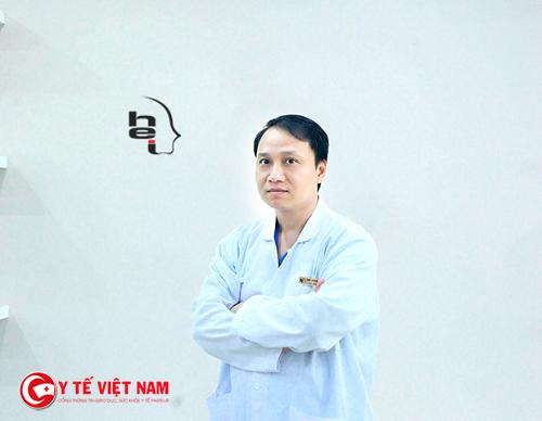 Bác sĩ phẫu thuật độn cằm giữ vai trò chìa khóa thành công