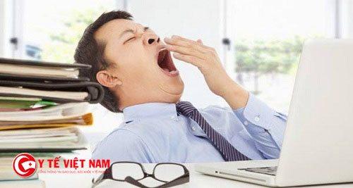 Mất ngủ khiến cơ thể mệt mỏi, không tập trung làm việc được