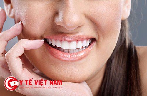 Làm răng sứ thẩm mỹ mang đến hàm răng trắng sáng
