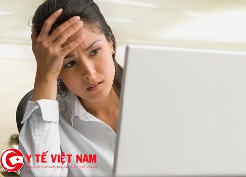 Nguyên nhân nào gây ra bệnh đau đầu mãn tính?