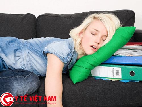 Nguyên nhân gây bệnh đau vai gáy là do ngủ sai tư thế
