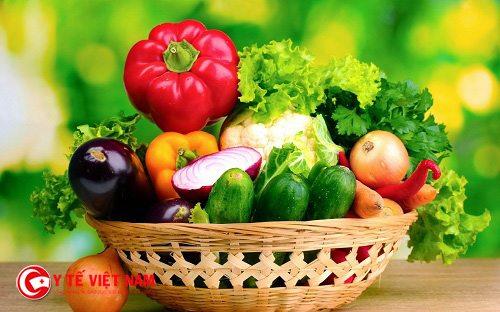 Rau xanh là thực phẩm hỗ trợ tốt cho bệnh thiếu máu não