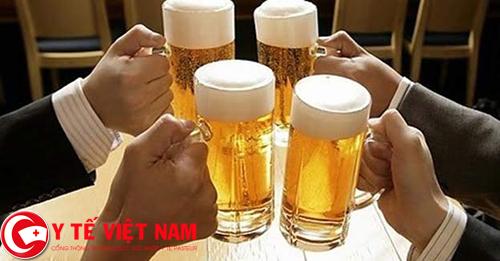 Đề phòng tình trạng ngộ độc rượu bia ngày Tết