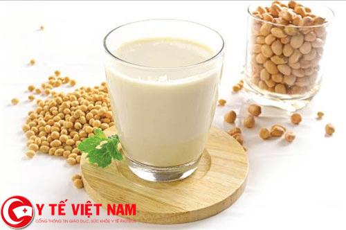 Sữa đậu nành thực phẩm vàng cho người bệnh đột quỵ