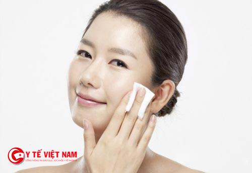 Tẩy trang đúng cách cho những làn da dầu