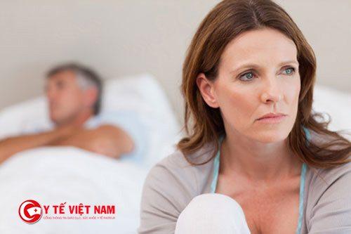 Mãn kinh ở phụ nữ là nguyên nhân gây ra chứng mất ngủ về đêm