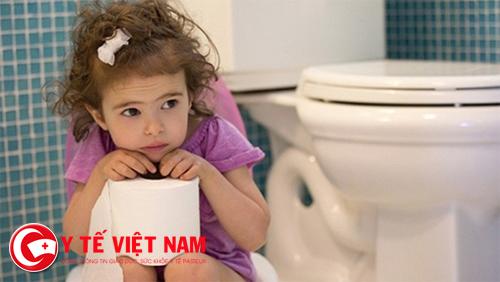 Nên bù nước và điện giải cho trẻ bằng thuốc Oresol