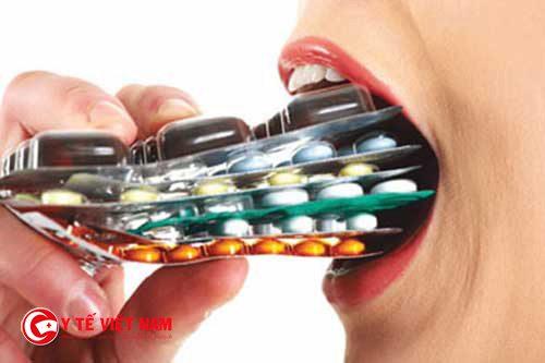 Tự ý sử dụng thuốc kháng sinh sẽ gây nhiều nguy hiểm cho cơ thể