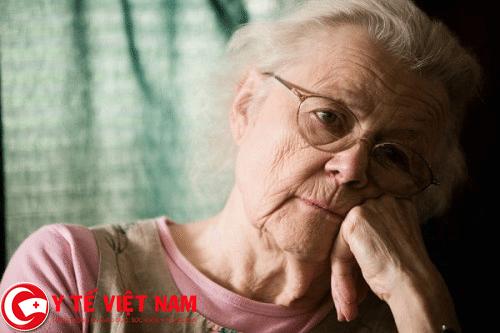 Tuổi cao nguyên nhân gây bệnh ung thư ruột
