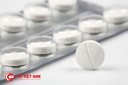 Không nên cho trẻ sử dụng lại thuốc kháng sinh trước đây đã gây dị ứng