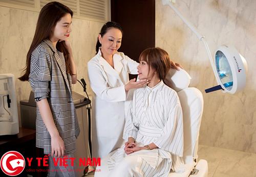 Bác sĩ chăm sóc sắc đẹp ở Hà Nội