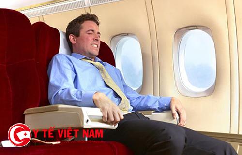 Đau tai là nỗi lo sợ khi đi máy bay của nhiều người