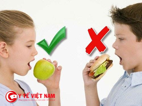 Chế độ dinh dưỡng ngày tết của trẻ thừa cân béo phì không được quá nhiều chất béo