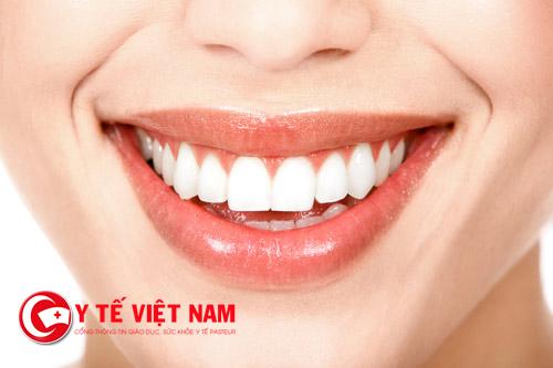 Giá thẩm mỹ răng thưa bằng bọc răng sứ