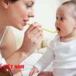 Lạm dụng men tiêu hoá để giúp trẻ biếng ăn không đúng cách là gây hại cho trẻ
