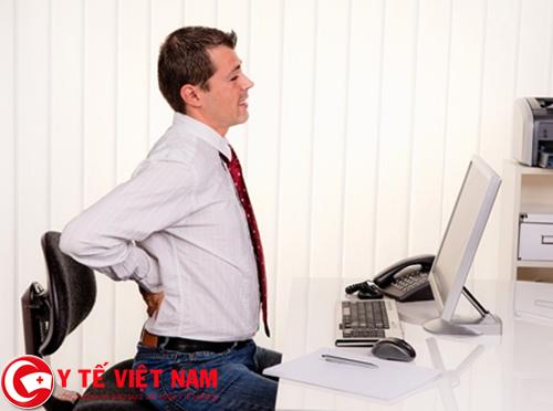 Lao động nặng nhọc nguyên nhân gây bệnh thoái hóa cột sống