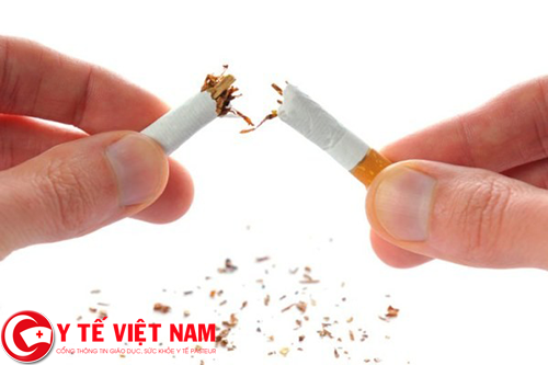 Nguyên nhân gây bệnh gai cột sống ở nam giới là do hút thuốc