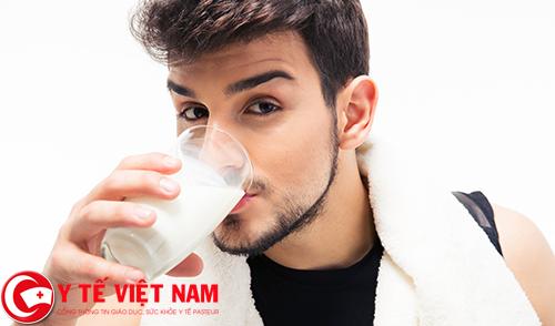 Phòng bệnh gai cột sống nên uống nhiều sữa