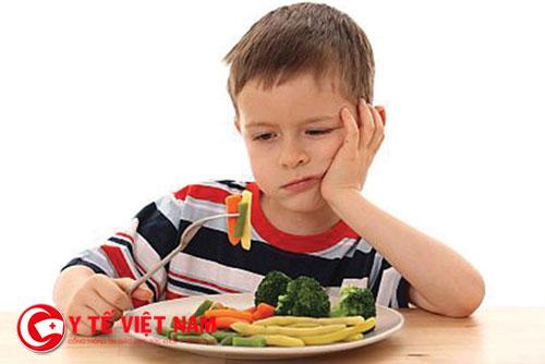Trẻ biếng ăn khiến nhiều bà mẹ không biết phải làm sao