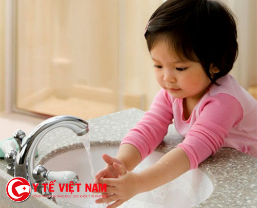 Rửa tay thường xuyên để phòng bệnh tay chân miệng
