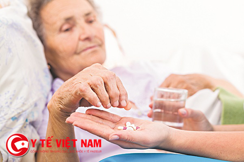 Nguyên tắc dùng thuốc cho người cao tuổi