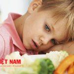 Mẹ hãy giảm khẩu phần ăn cho phù hợp với con