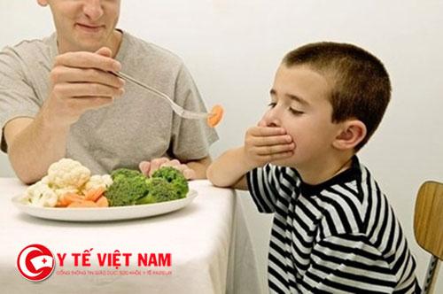 Những bệnh lý dù rất thông thường cũng sẽ khiến trẻ biếng ăn