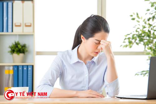 Dân văn phòng nên vận động nhẹ để giảm các triệu chứng do ngồi lâu gây ra