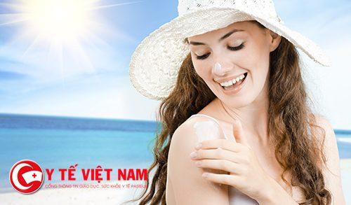 Tập thói quen sử dụng kem chống nắng
