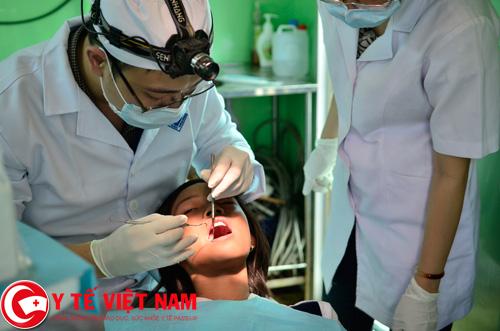 Bác sĩ răng hàm mặt làm việc tại Hà Nội