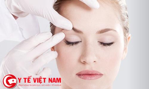 Đá bay bọng mỡ thừa nhờ giải pháp cắt mí mắt Hàn Quốc