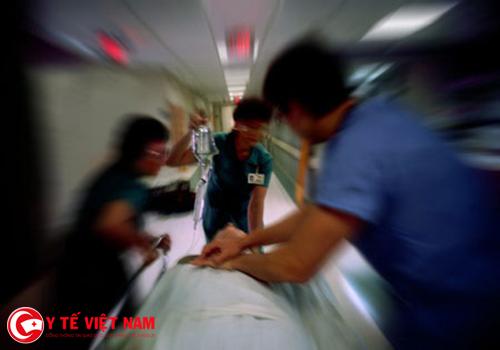 Áp lực công việc trong từng ca cấp cứu