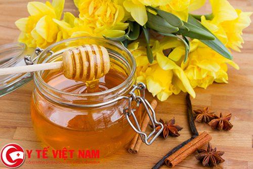 Công dụng chữa bệnh viêm đại tràng co thắt của mật ong