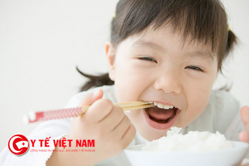 Bạn không nên cho trẻ bổ sung vitamin tổng hợp